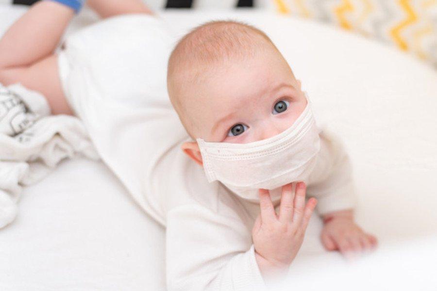 Bí quyết ngăn ngừa bệnh ho cho bé lúc giao mùa